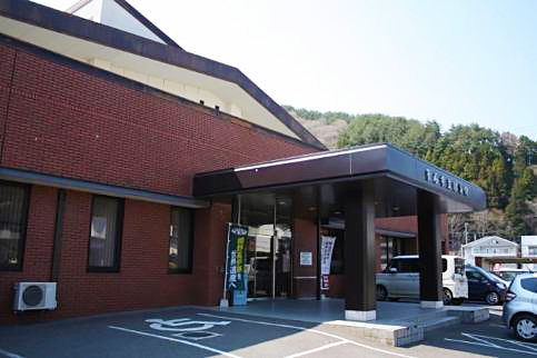 釜石市立図書館 としょかん映画館