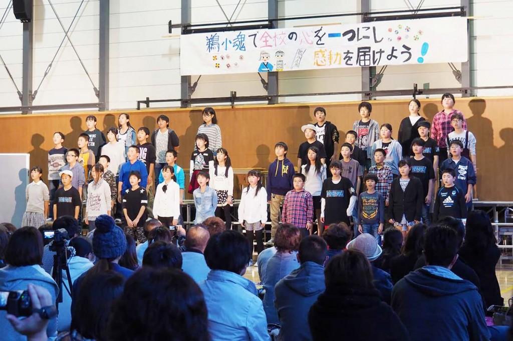 小学校最後の学習発表会で、復興への思いを込めた劇を演じた6年生