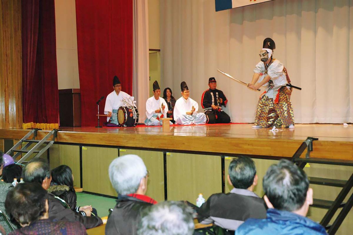 市指定無形文化財(第1号)に登録されている「丹内神楽」