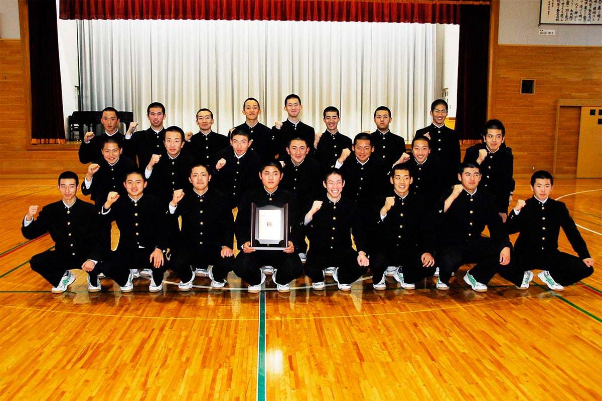 センバツ「21世紀枠」東北地区推薦校に選ばれ喜ぶ釜石高野球部
