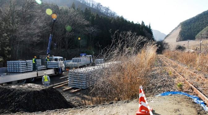 枕木の交換作業から着手した山田線南工区の復旧工事