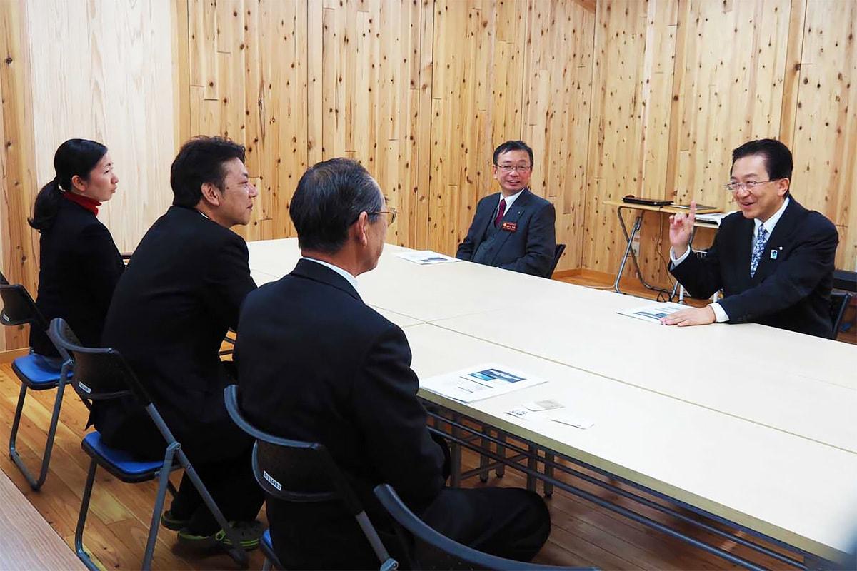 釜石地方森林組合では組合員らを激励した