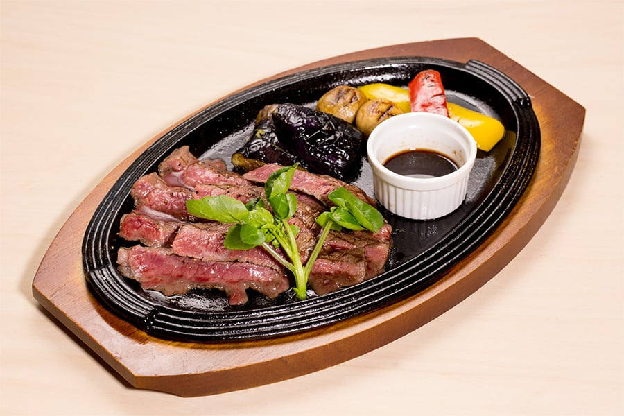 門崎熟成肉モモ肉のステーキ