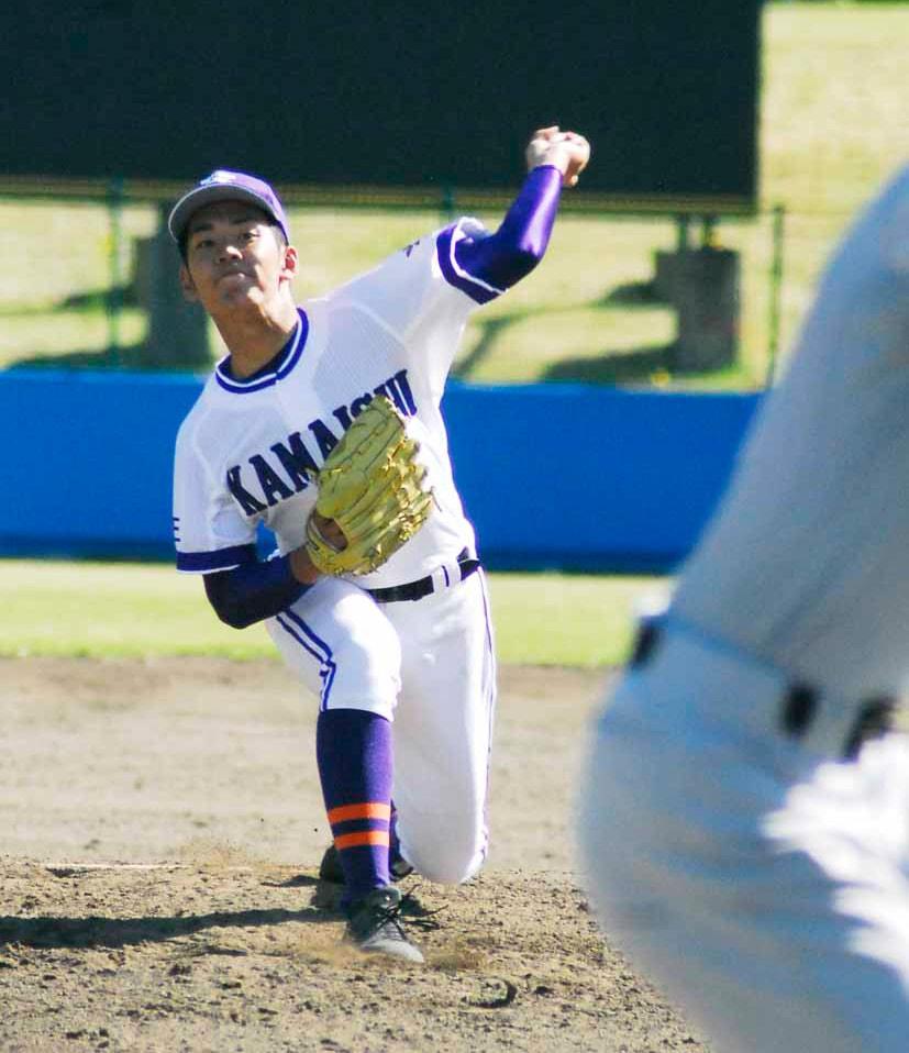 前日は201球、再試合では97球を気力で投げ抜いた佐々木尚人