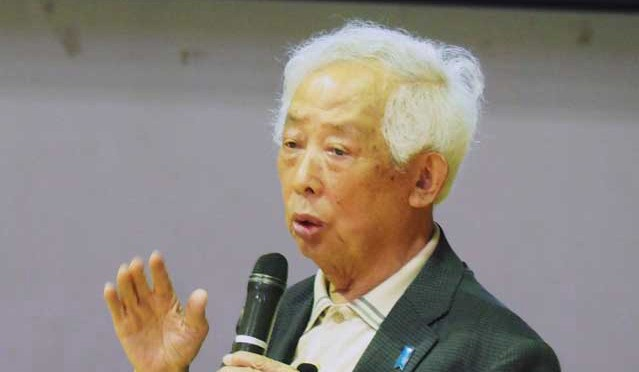 戦争体験や平和への思いを語る岩切潤さん