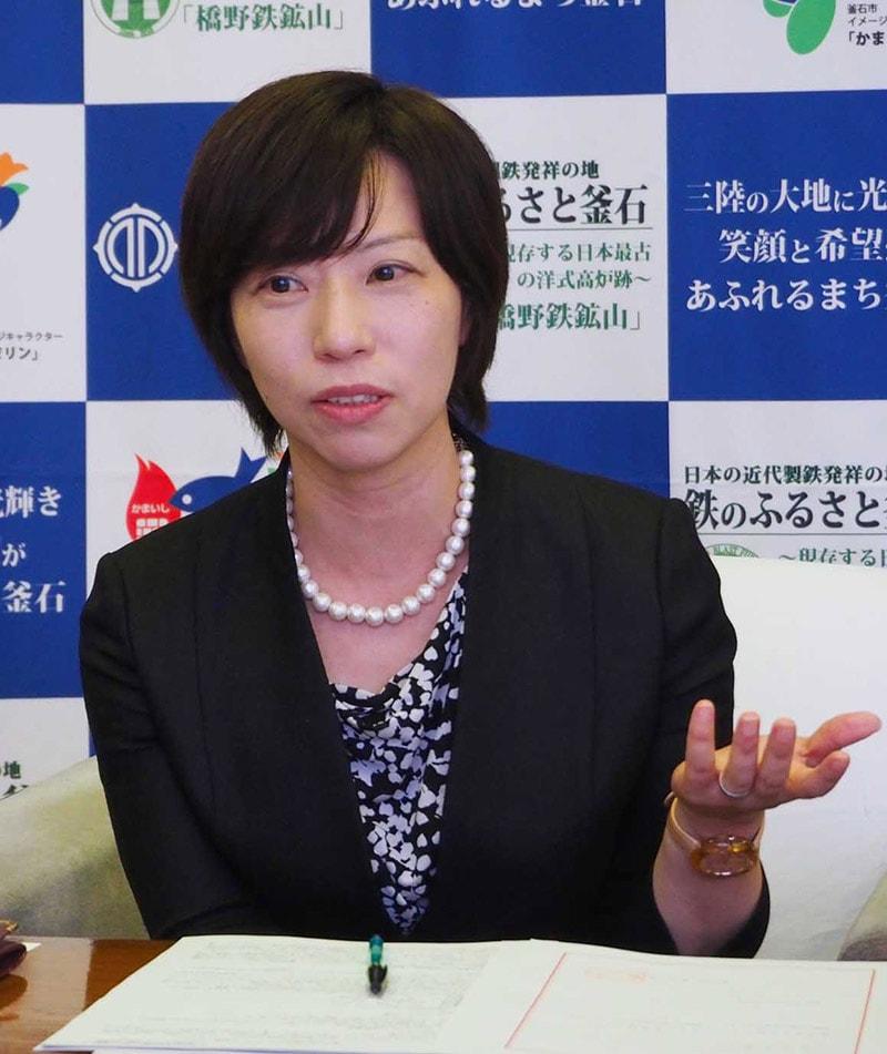 地方創生アドバイザーに就任し、意欲を語る小安美和さん