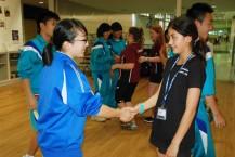 英語で自己紹介し合う釜石とクライストチャーチの中学生