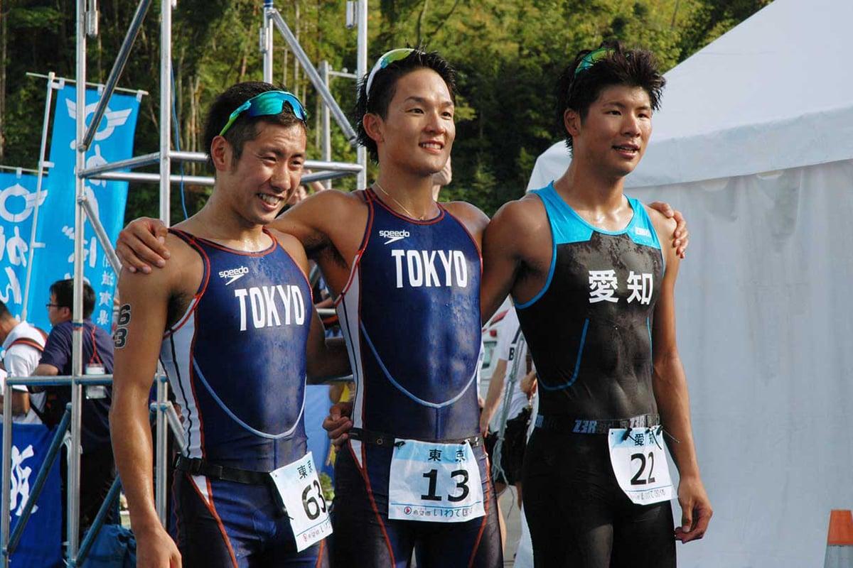 成年男子1位の古谷純平選手、2位の小田倉真選手、3位の谷口白羽選手