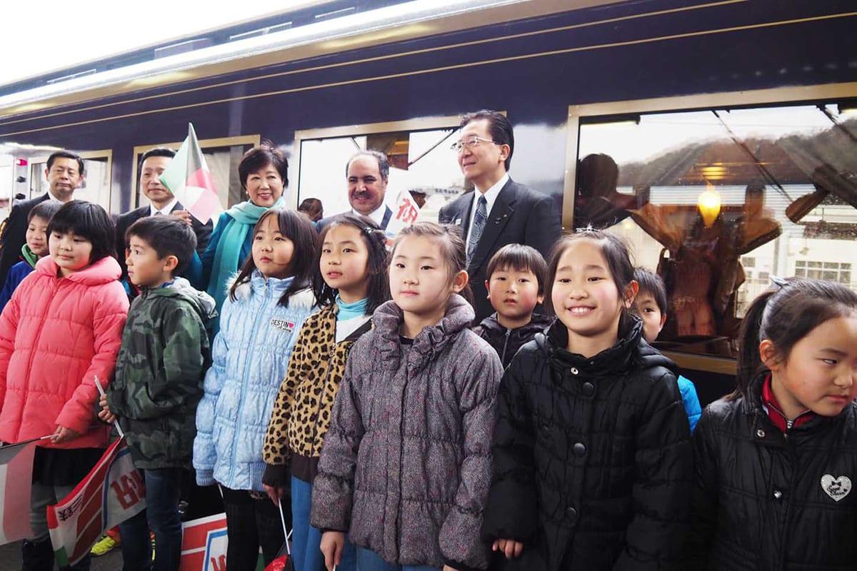 三陸鉄道釜石駅では子どもたちと触れ合った
