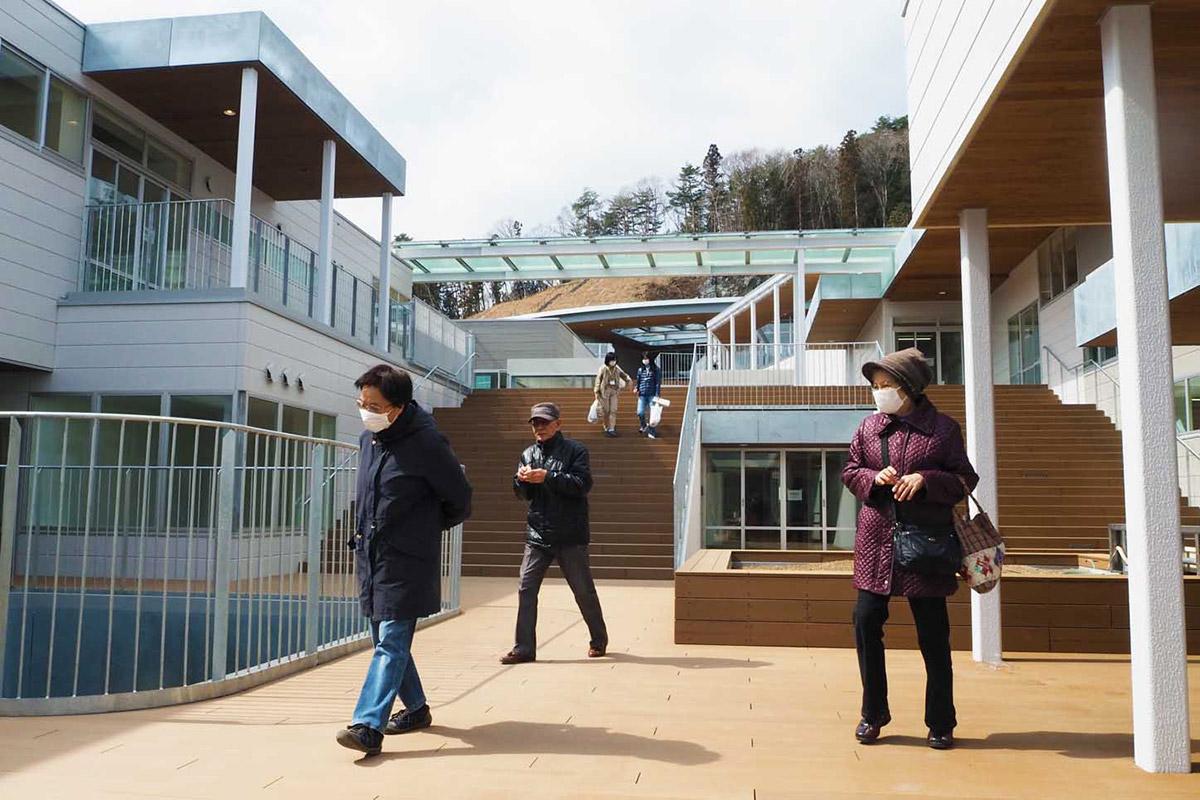 子どもたちが登下校する姿を見てもらおうと作られた大階段