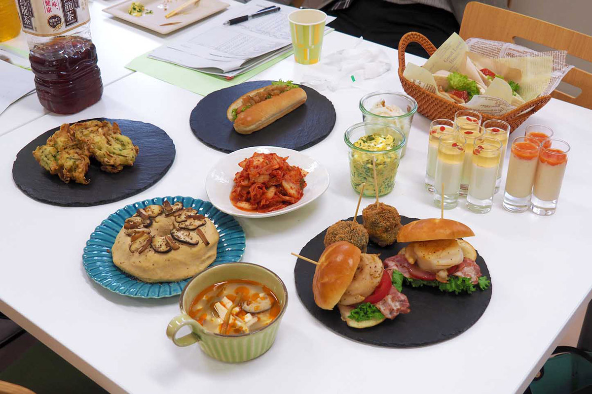 釜石産食材の新たな魅力を引き出そうと、料理研究家が考案したアイデア料理