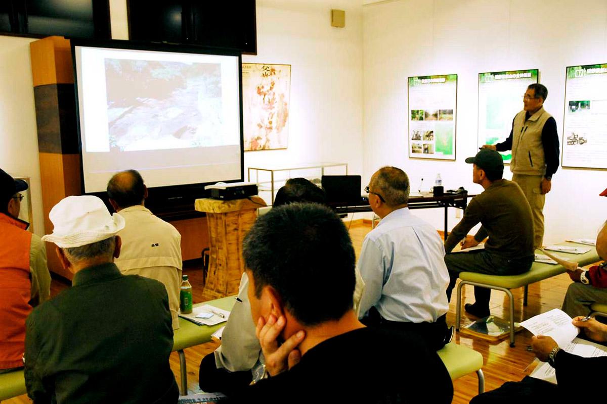 インフォメーションセンターで行われた記念講演