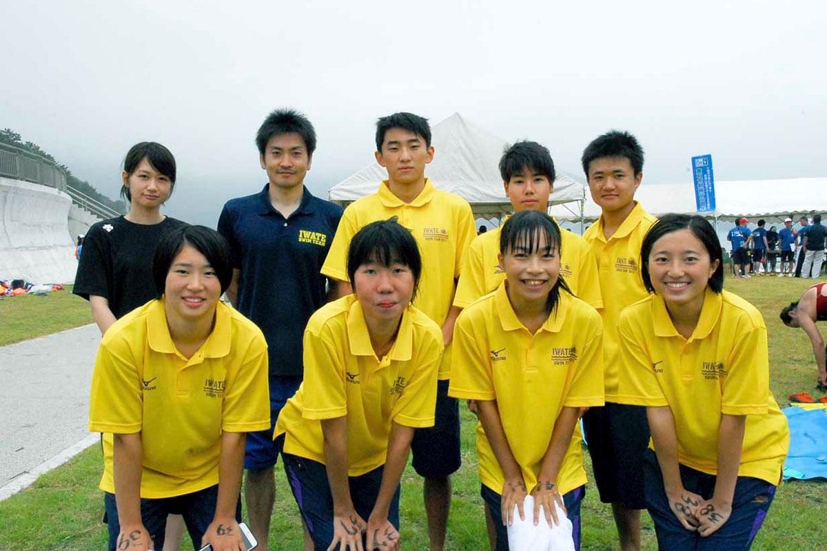 競技と運営に活躍した釜石高水泳部