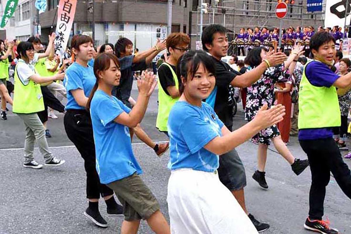 釜石の復興を支え続ける聖学院大の学生も「ヨイサッ」