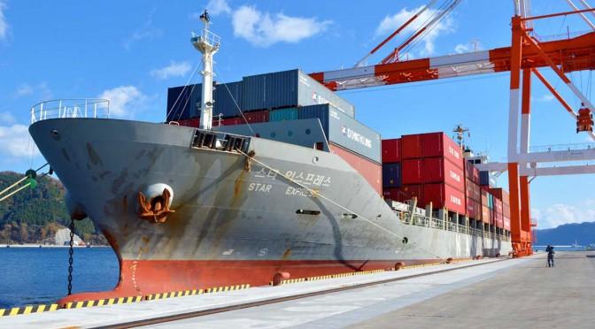 コンテナ専用船は今後毎週、釜石港に入る