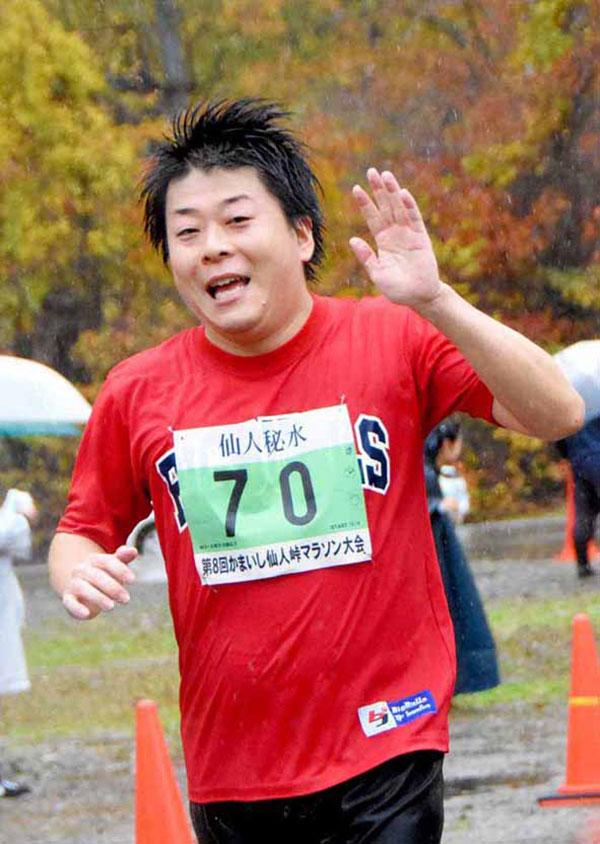 元釜石市副市長の嶋田さんも笑顔で完走