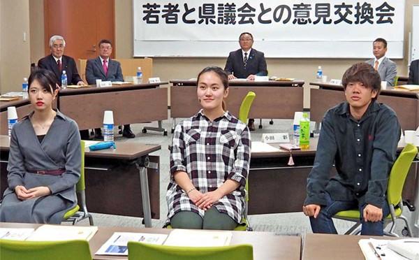 岩大釜石キャンパスで意見交換、県議会「三陸地域の振興」テーマに〜県政への若者の関心促す