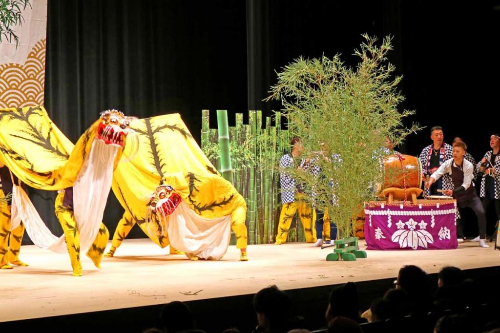 釜石市の無形文化財に指定されている「尾崎町虎舞」