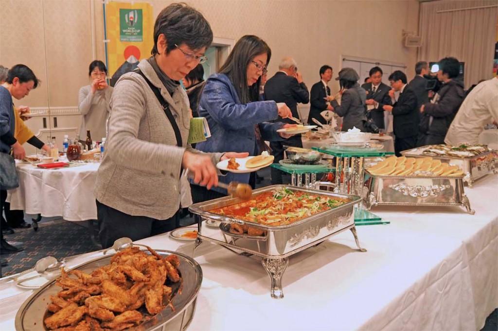 ラグビーW杯釜石開催出場国の料理が振る舞われた食文化体験交流会