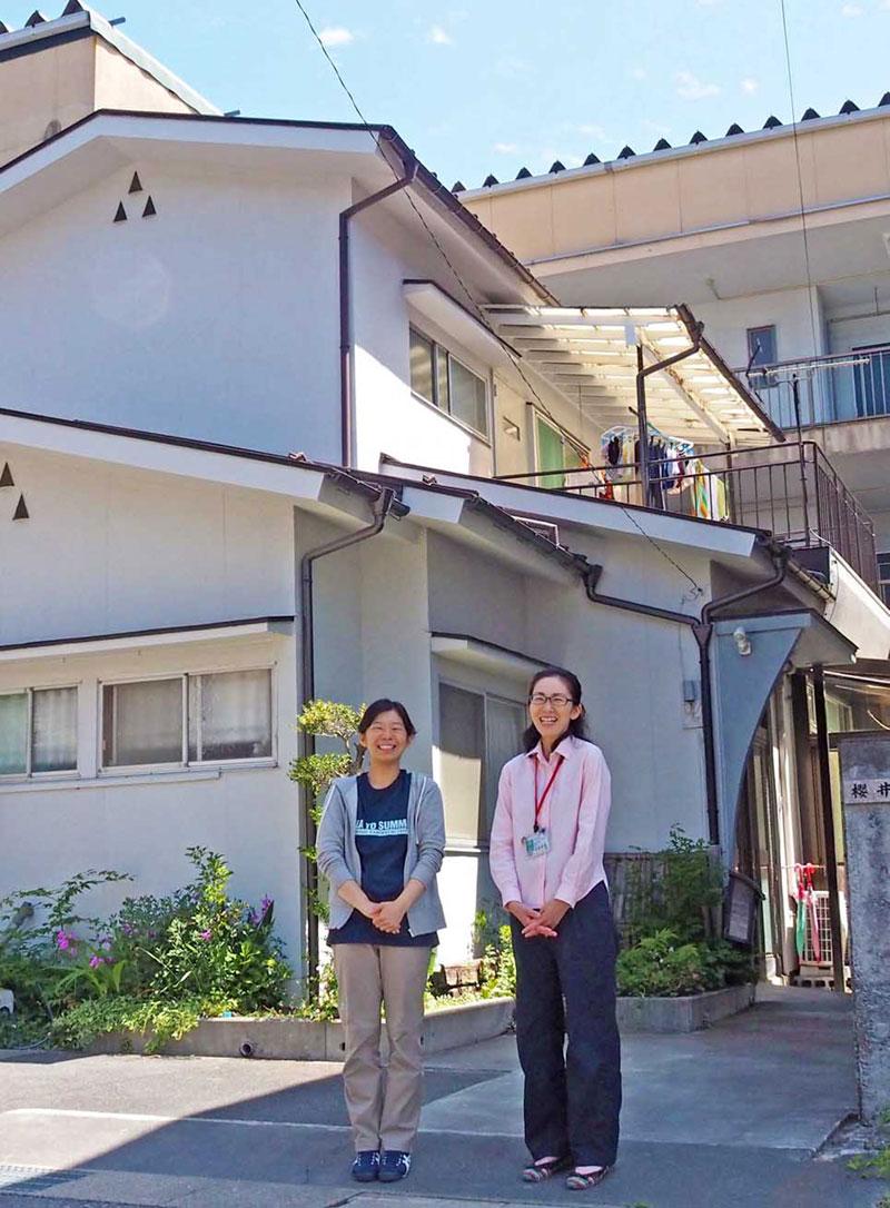 イベント民泊の受け入れを決めた櫻井さん(左)と協力を呼び掛ける清藤さん