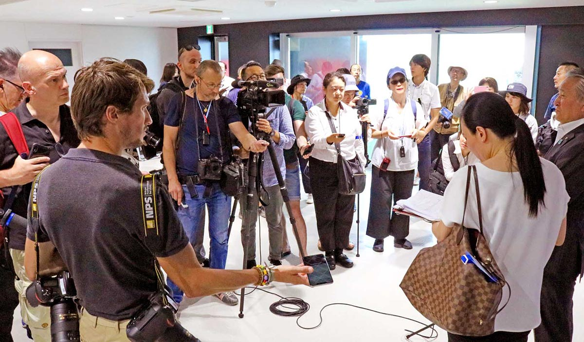 野田市長へのインタビューではW杯や復興について熱心に聞いた