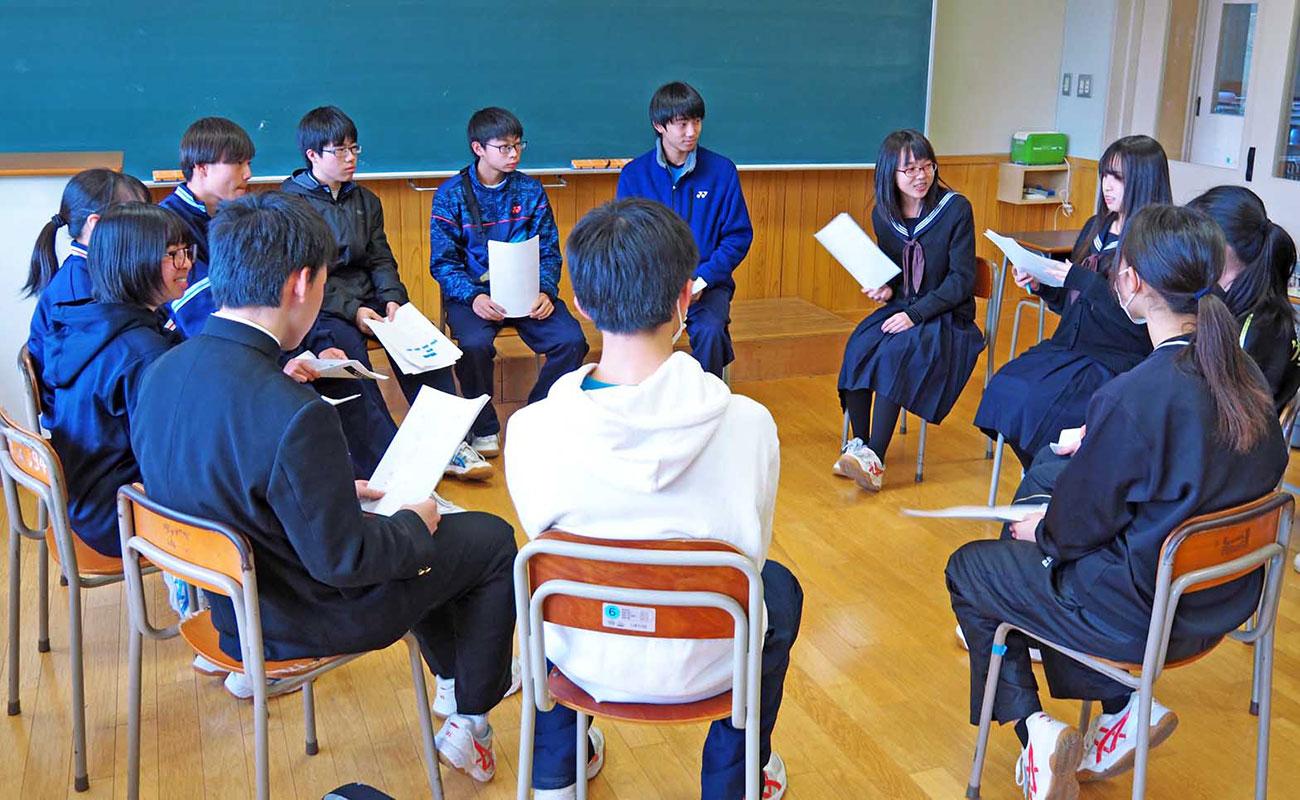 震災の伝承活動に取り組む「夢団」を結成した釜石高生徒有志