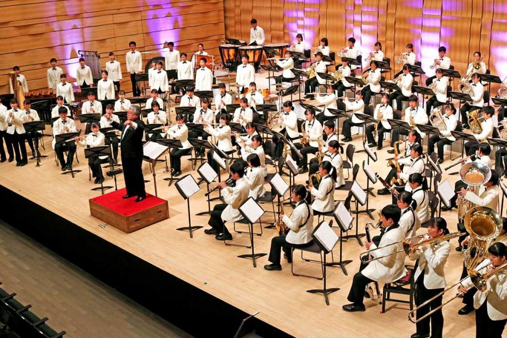 大編成のサウンドで観客に感動を与えた埼玉栄高