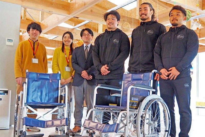 「ファンあってのチーム」車椅子贈る、釜石シーウェイブス選手会〜イベント収益で社会貢献、かまいしDMC トモスなどで活用