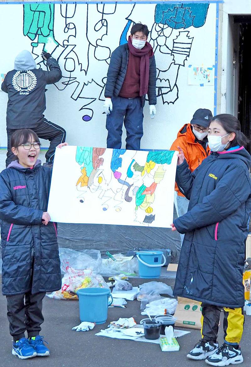 釜石大観音仲見世通りの活性化に期待を込め制作される壁アート