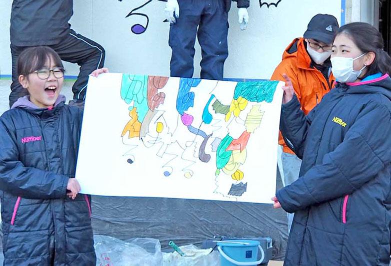 「空想参道」を壁アートで、釜石大観音仲見世通り〜小林覚さん(釜石出身)デザイン、市民グループゼロスポット イベント開いて制作