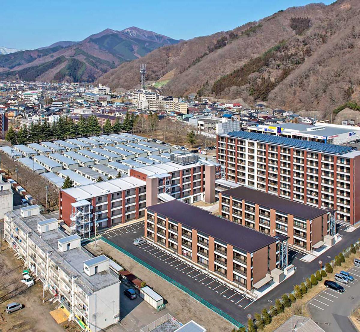 太陽光パネルが設置された上中島復興住宅