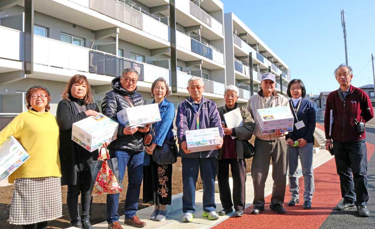 震災から10年ー。釜石市で被災し、盛岡市の「南青山アパート」に入居した住民ら。支援員とともに