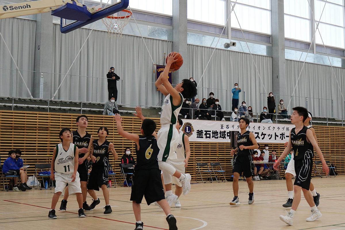 釜石―甲子の1回戦。白熱したゲームが繰り広げられた