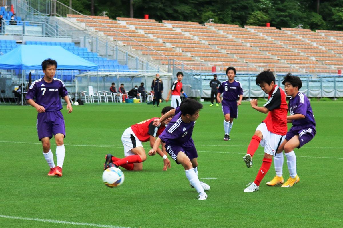 釜石鵜住居復興スタジアムで熱戦を繰り広げたサッカー。ラグビーW杯の聖地で中総体の思い出を刻む