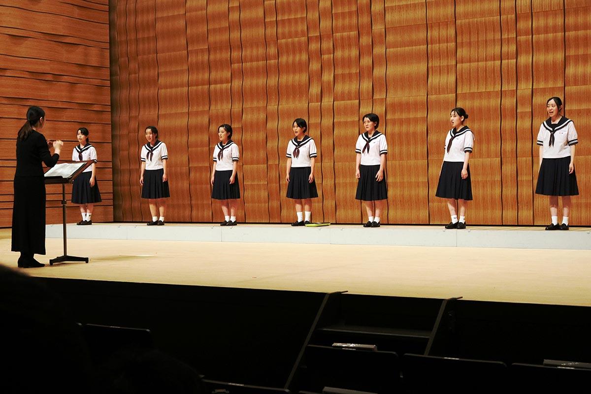 美しいハーモニーで観客を魅了する釜石高音楽部