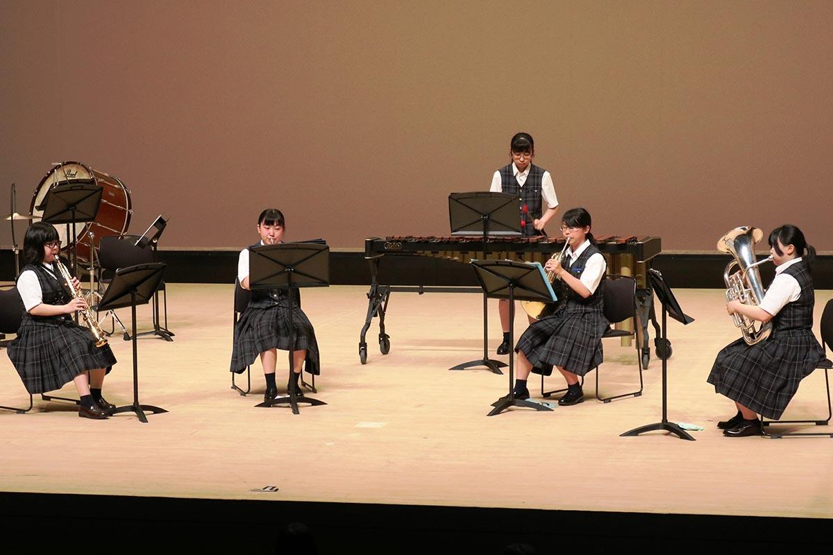 2・3年生は管楽五重奏でコンテスト出場曲を披露