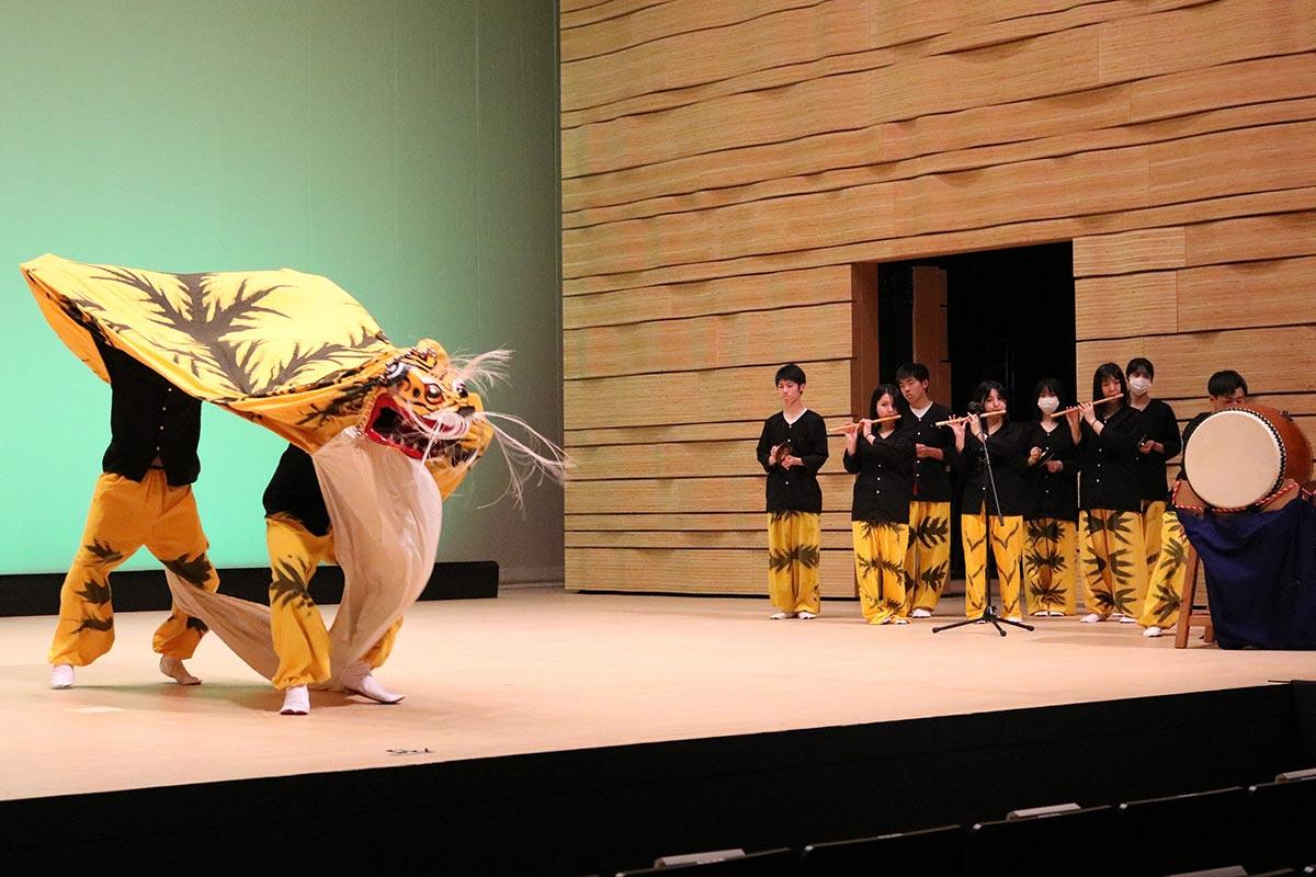 2部は虎舞委員会が出演。ステージを盛り上げた