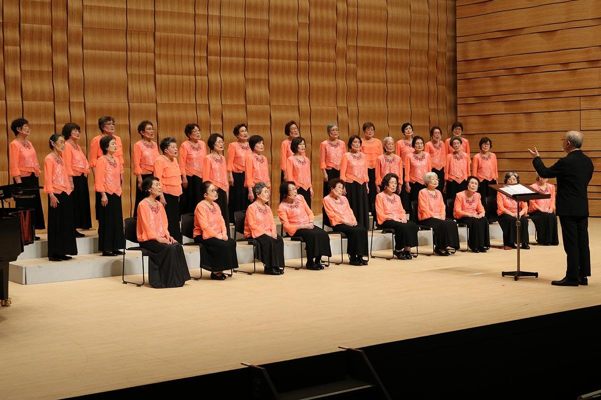 日本の原風景を思い起こさせる四季の歌を届けた第1部。優しい歌声が会場を包んだ